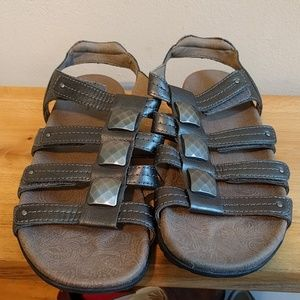 851e4d65fbd4 Taos Footwear Shoes - Taos like new Cleopatra Strappy Comfort Sandals.